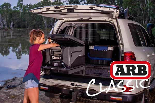 ARB Classic Kühlbox im Auto