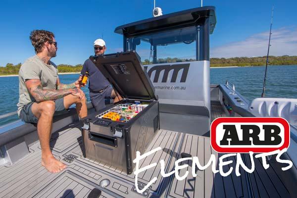 ARB Elements Kühlbox am Boot