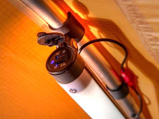 ARB Flinders Dachzelt LED Licht Detail