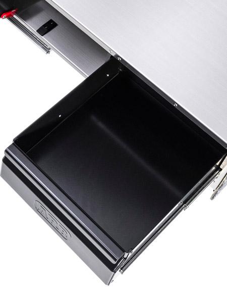 Detailbild der kleinen Schublade in der ARB Küchenschublade